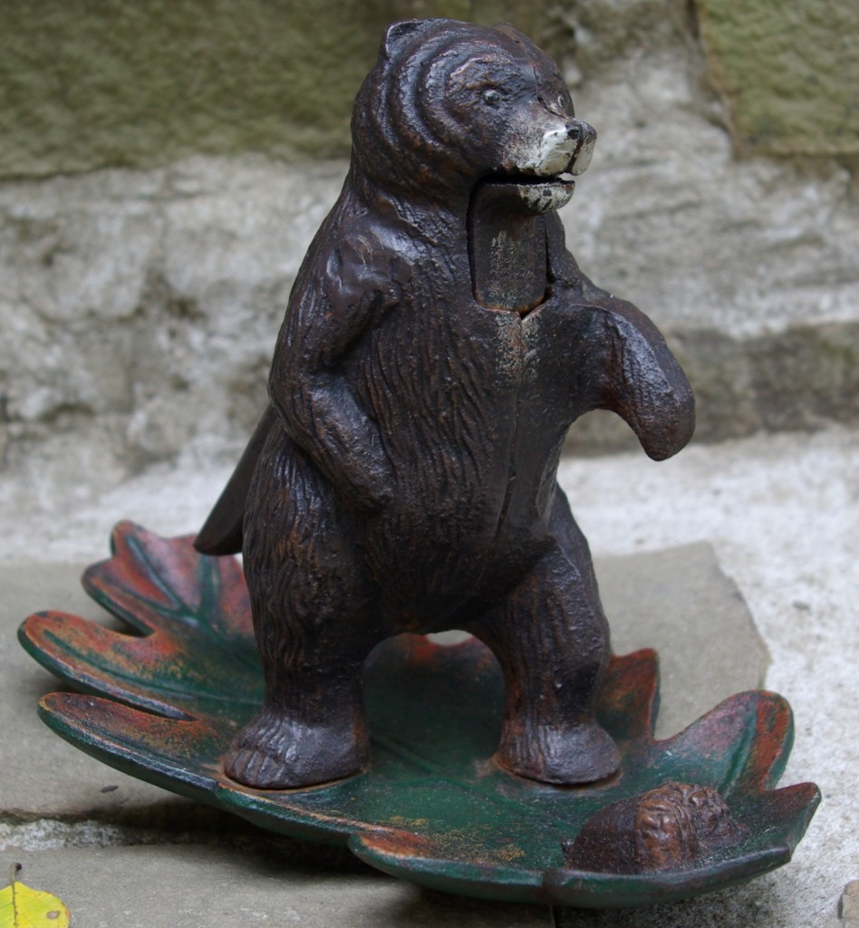 Vintage Squirrel Nutcracker Louamathf